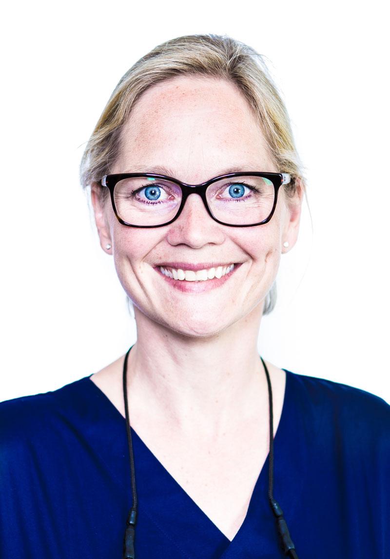 Dr. Stefanie Clausen- Kestermann, dentist